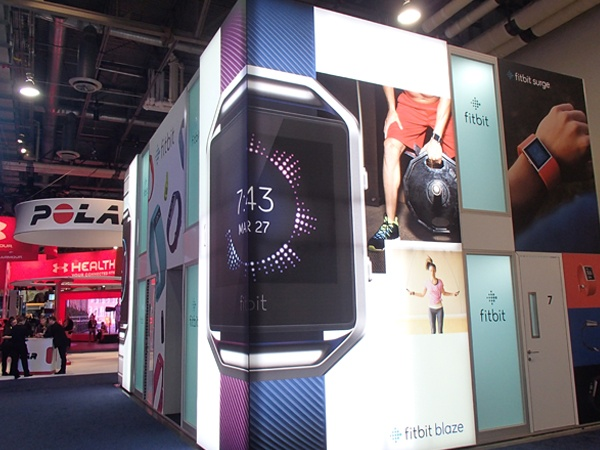trade_show_booth_backlit_tower.jpg