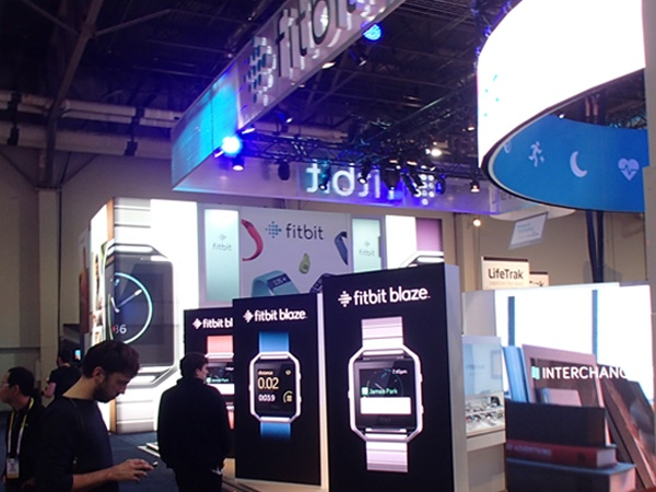 trade_show_booth_backlit_tower_3.jpg