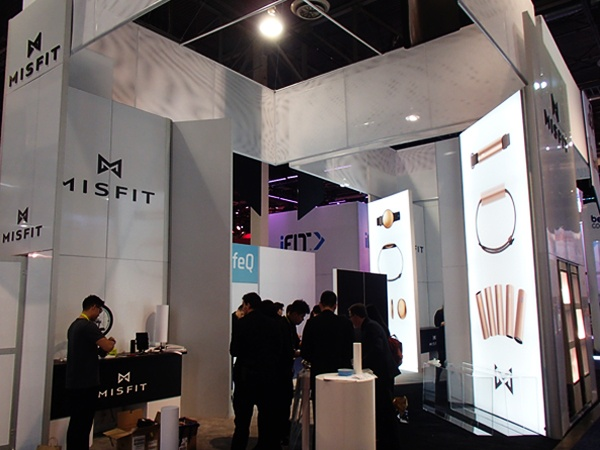 trade_show_booth_backlit_tower_4.jpg