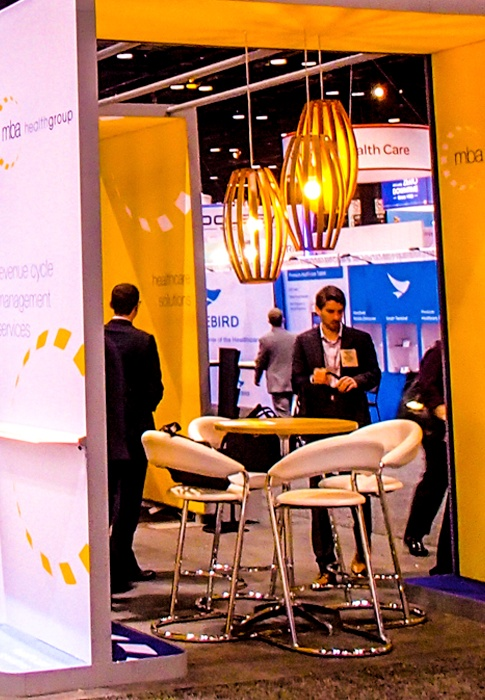 trade show booth design with pendants